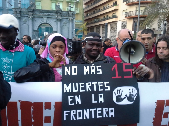 'No más muertes en la frontera' ha sido el lema de la concentración en Ceuta / Foto: @LOrtizGomez