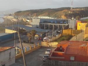 Frontera de Ceuta cerrada al tráfico durante la mañana de este martes / Foto: @LOrtizGomez