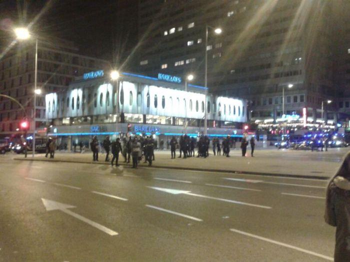Cargas policiales en Colón / Foto: @juliobasurco