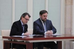 El_President_Mas_acompanyat_d'Oriol_Junqueras_aquest_matí_al_Parlament